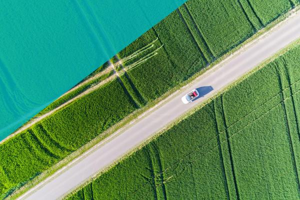 Mit dem Cabrio durch unsere schöne Landschaft (©Christian Schwier)
